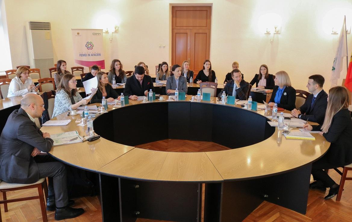 """101 de afaceri noi, gestionate de femei vor beneficia de granturi prin  Programul guvernamental """"Femei în afaceri"""""""