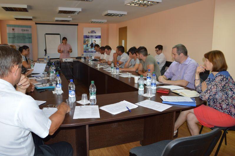 """Antreprenorii din regiunile sud şi centru ale ţării au participat la sesiunea de informare """"Oportunităţi pentru dezvoltarea Întreprinderilor Mici şi Mijlocii"""""""